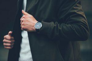 ビジネスシーンの時計